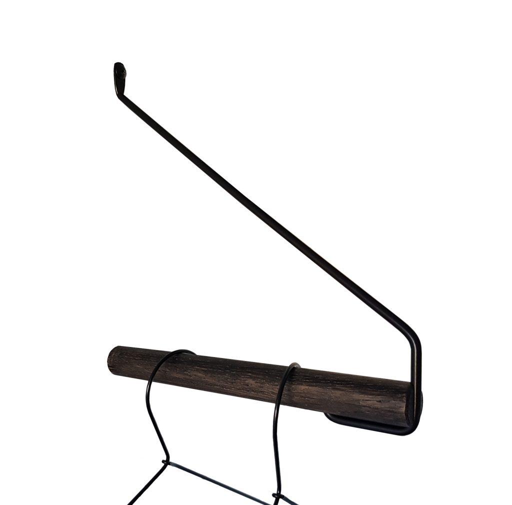 Nordic Function Addmore sort eg sort bøjlestang til organisering af entre black coat rack in Danish design for entrance or bedroom