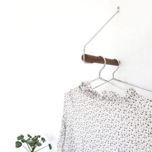 Nordic Function Addmore bøjlestang til entre i røget eg krom coat rack