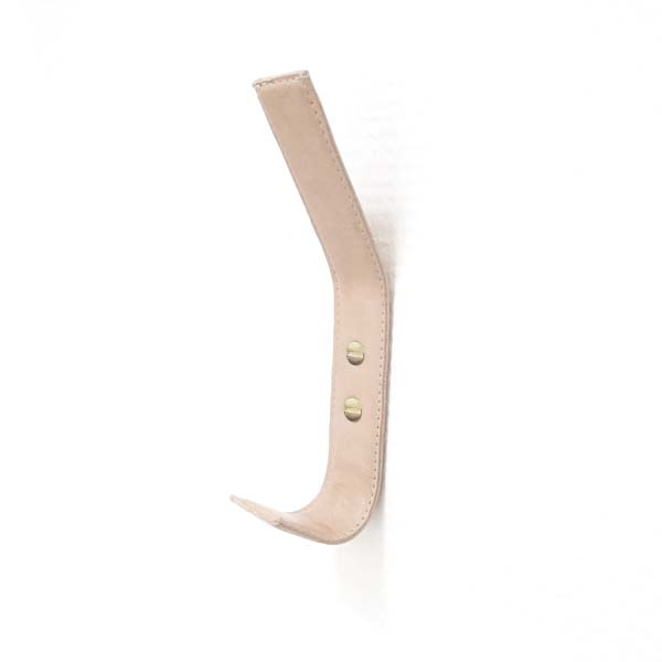 Nordic Function læderknage med messingskruer til entre eller soveværelse leather coat hook with brass screws for your entry or bedroom