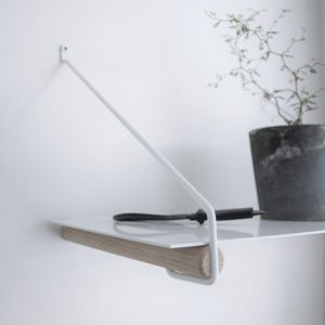 Nordic Function Addmore bøjlestang og hyldeholder coat rack and shelf holder oak white metal