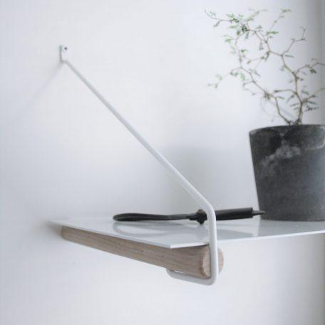 Nordic Function Addmore bøjlestang og hyldeholder coat rack and shelf holder oak white metal
