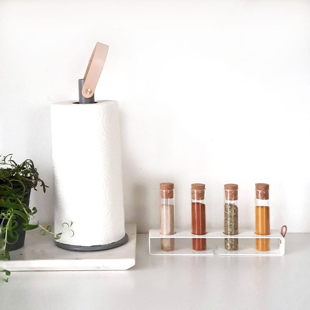 Nordic Function 2Grab køkkenrulleholder og Simply4 krydderiholder paper towel holder and spice rackkrydderiholder, krydderi, køkkenruldeholder, Nordic Function